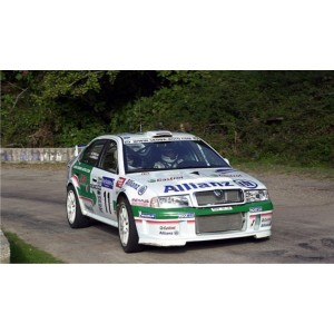 http://www.creative-vinyl.com/1144-thickbox/skoda-octavia-2001-wrc-full-graphics-kit.jpg